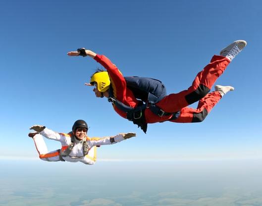 Как фотографировать во время прыжка с парашютом?