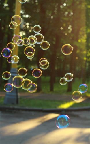 Вертикальные мыльные пузыри