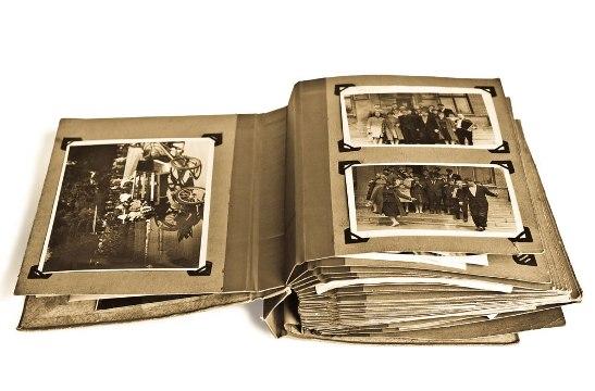 История создания первого фотоальбома