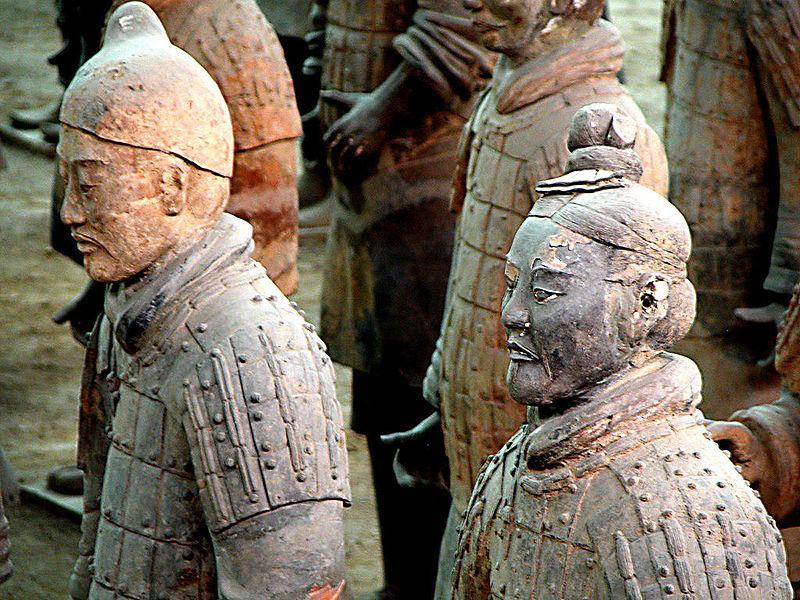 Терракотовая армия статуи солдаты
