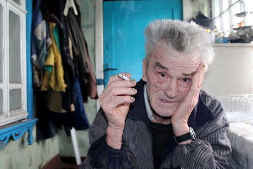 фото пожилой старик ебет малоденькую